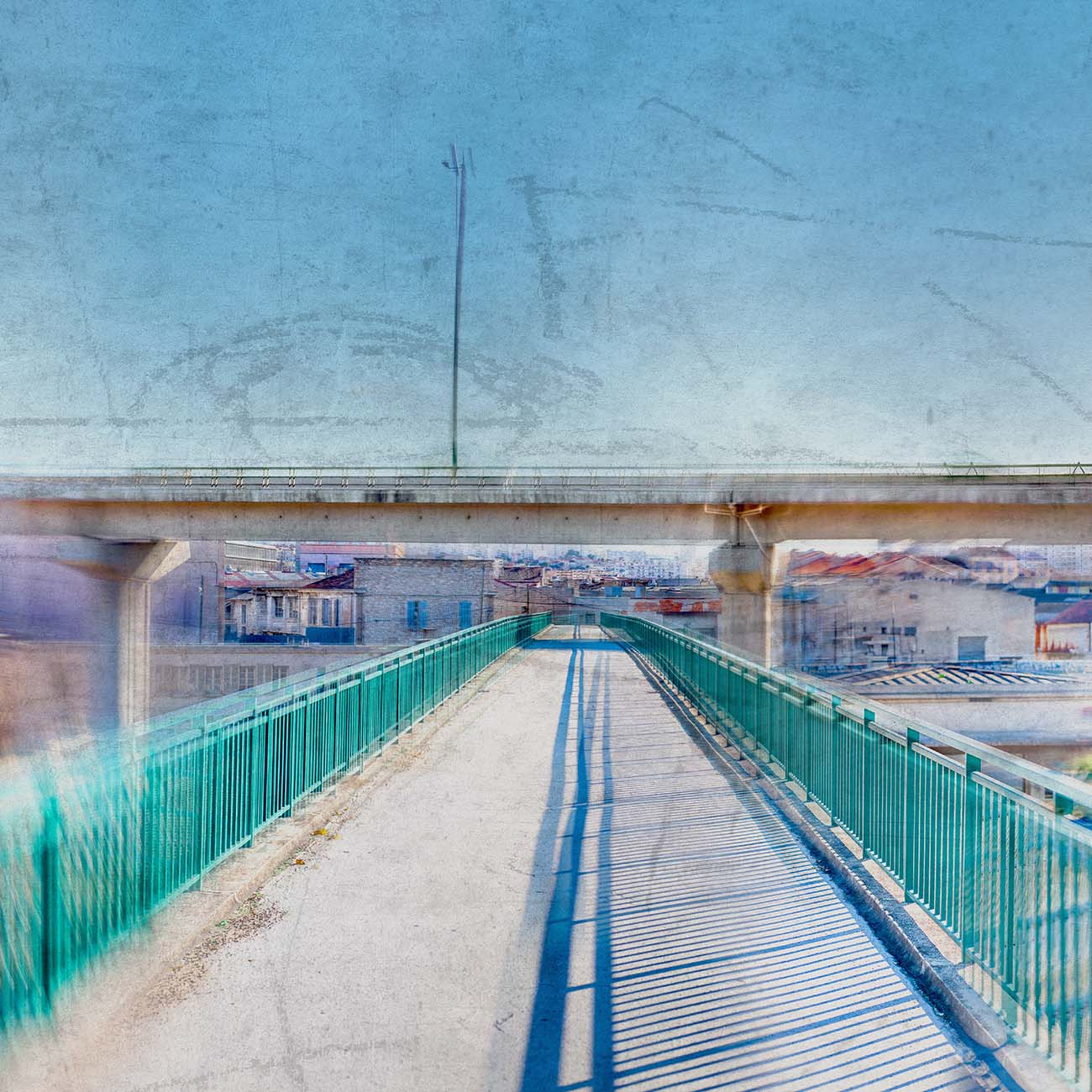 La passerelle Bleu Marseille Paul-Louis LEGER Photographe